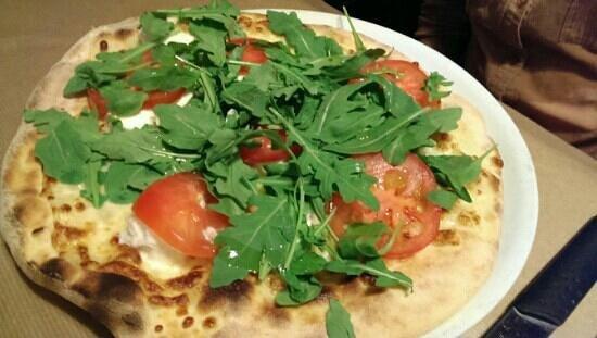 RESTAURANT PIZZERIA BELLA NAPOLI : pizza with buffalo mozzarella