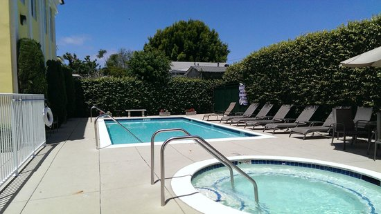 Best Western Plus San Pedro Hotel & Suites: Pool/Hot tub area