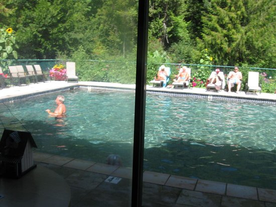 Belknap Hot Springs Lodge and Gardens : the pool