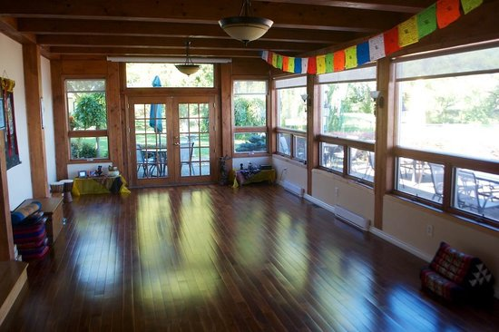 Shanti Retreat: One of the yoga rooms