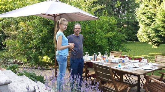 La maison de Juliette: colazione in giardino