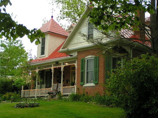Iron Horse Inn: getlstd_property_photo