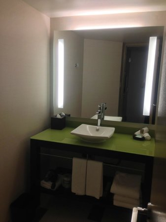 Hyatt Regency Indianapolis: Bathroom sink