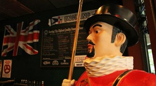 Three Lions Pub: Bertie the Beefeater