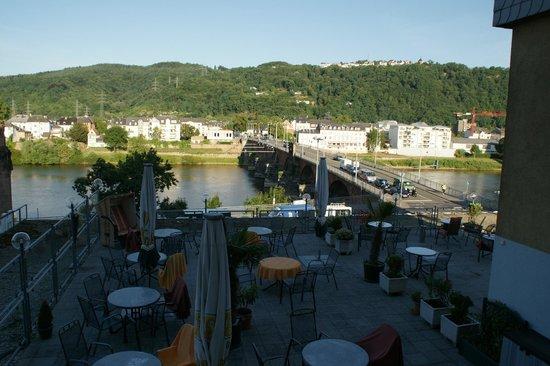 Hotel Constantin: Вид на террасу