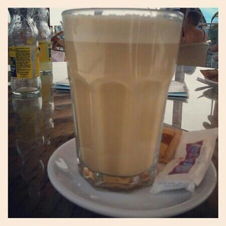 Cafe  Lumi Terraza: best café laté in town