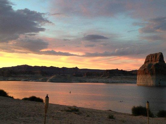 Lone Rock Beach: Sunset