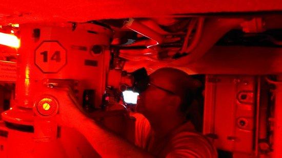 Site historique maritime de la Pointe-au-Pere : Inside the submarine