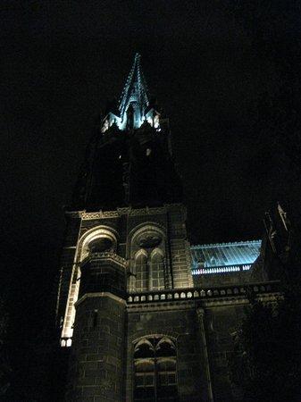 Basilique Notre-Dame-du-Port : basilica di Clermont-Ferrand