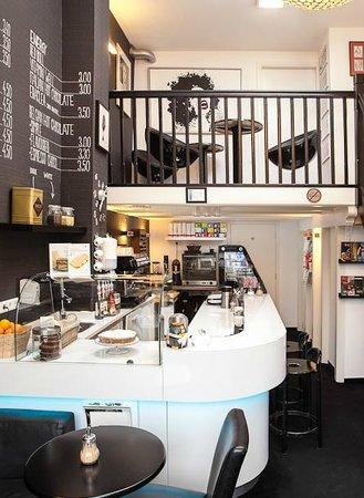Moods Coffee Corner: Inside Moods