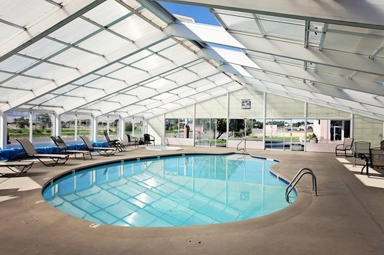 BEST WESTERN Paradise Inn of Nephi: Enjoy a dip in our fabulous year round pool!