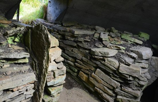 Explore Orkney Tours: Taversoe Tuick Cairn - Rare 2 story tomb