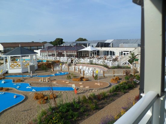 A view back to the dining area and swimming pool picture - Suffolk hotels with swimming pool ...