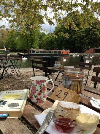 Teashop by  the Canal: cream tea