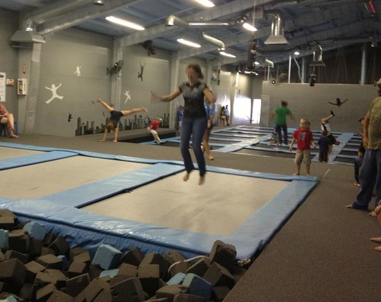 Skywalk Trampoline Arena
