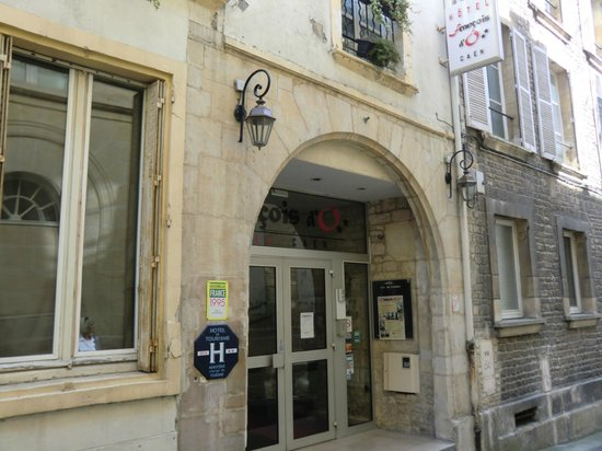 Hôtel François d'Ô : hotel from street