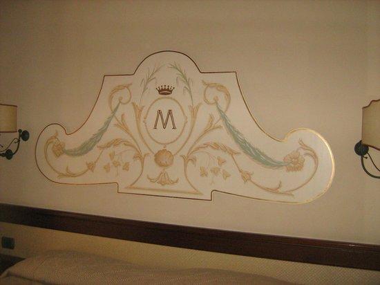 Michelangelo Hotel : sopra il letto M di Michelangelo......