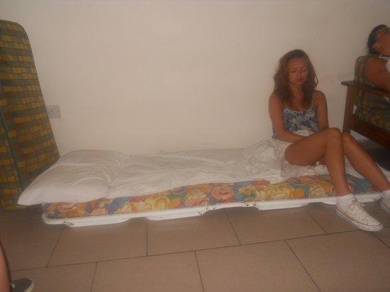 Tsokkos Holiday Apartment : A 'bed'