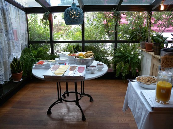 Hotel Odinsve: Breakfast buffet at Odinsve