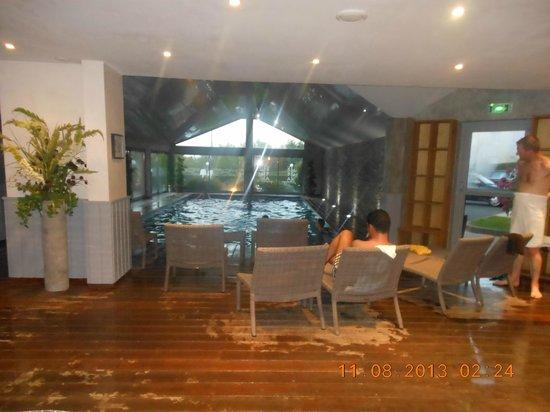 Antares Hotel : espace détente Piscine
