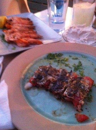 Sardelaki: Stuffed and grilled sardines!