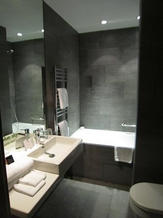 MOODs Boutique Hotel: Bathroom
