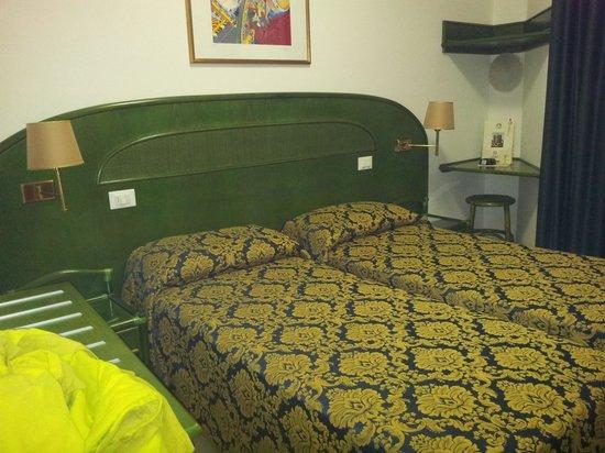Hotel Garni San Carlo: letto