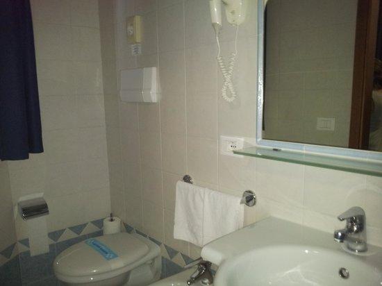Hotel Garni San Carlo: bagno