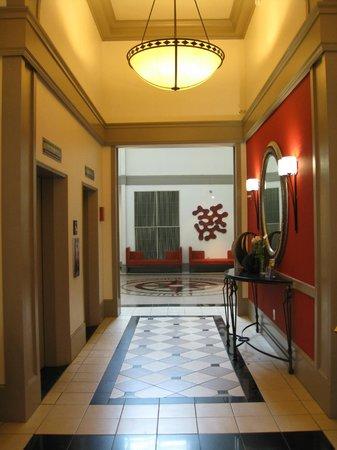 Hampton Inn & Suites Atlanta - Downtown: Lobby
