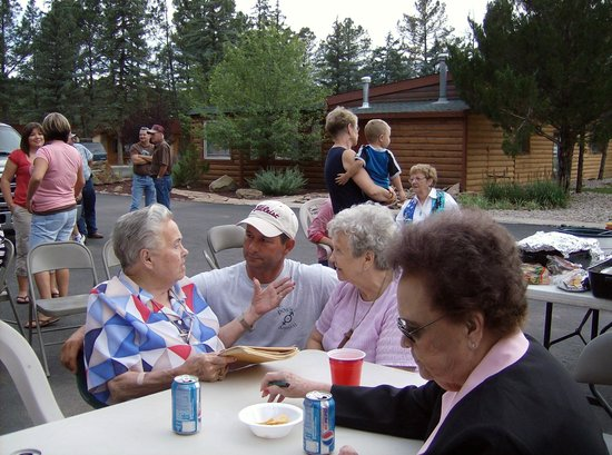 West Winds Lodge : Very accommodating grounds for large crowds
