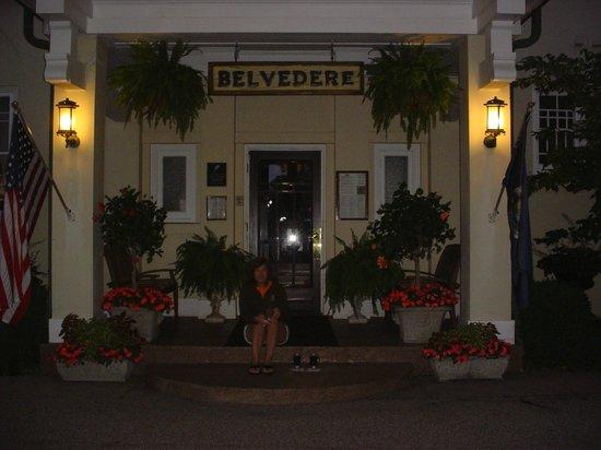 Belvedere Inn & Restaurant: Front Enterance