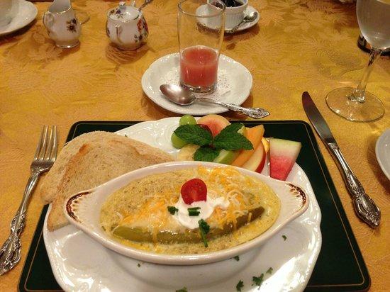 Castle Marne Bed & Breakfast: Breakfast