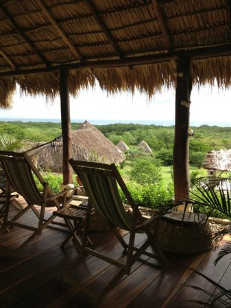 Las Plumerias Lodge and Surf: Terrace to chill and have a nap after surf!