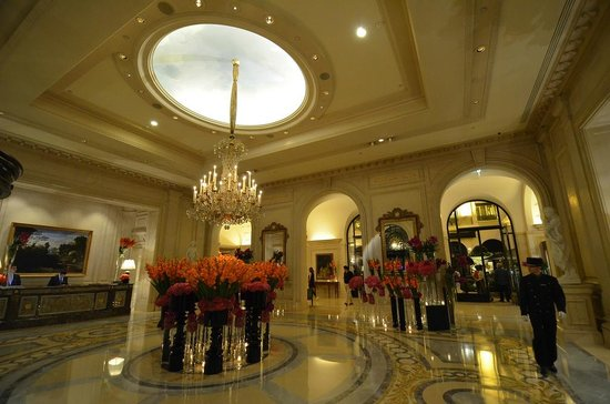 Four Seasons Hotel George V: Lobby