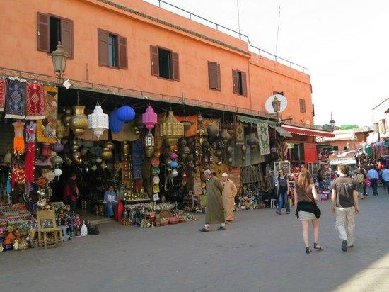 Riad Les Trois Palmiers El Bacha: main market