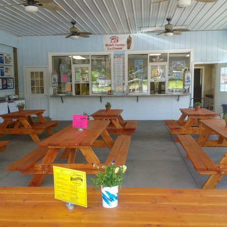 Wagner's Ice Cream & Snack Shack: Perfect to relax and eat ice cream