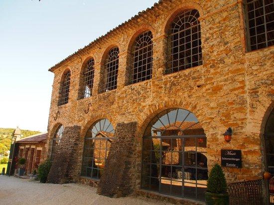 Le Clos des Arts : De oude zijdefabriek waar nu de ontbijtzaal is