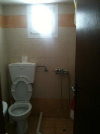 Anna Platanou Hotel: salle de bain