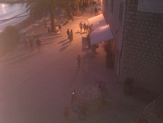 Hotel Glavovic: View from Room 10, down onto the street along side beach.