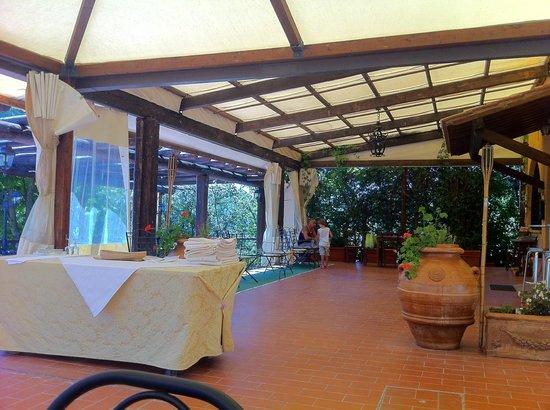 Country House Torre Burchio : veranda