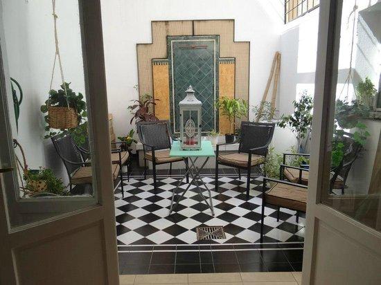 Malibu Hostel: patio interno de malibu