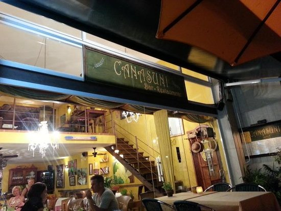 Canasuni: Restaurante cana Suni de noche