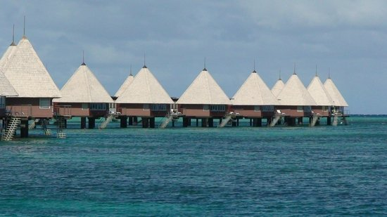 L'Escapade Island Resort: some of the bungalows