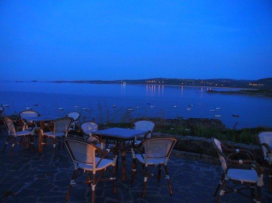 Hotel L'Erguillere : Après le coucher du soleil sur la terrasse