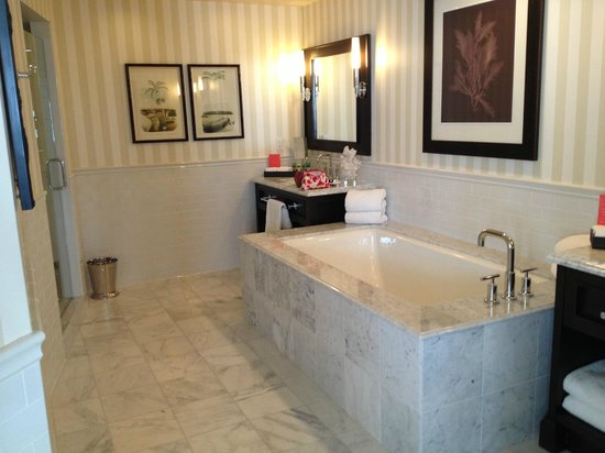 L'Auberge Del Mar: bathroom