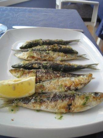 Garreta: Fresh local seafood.