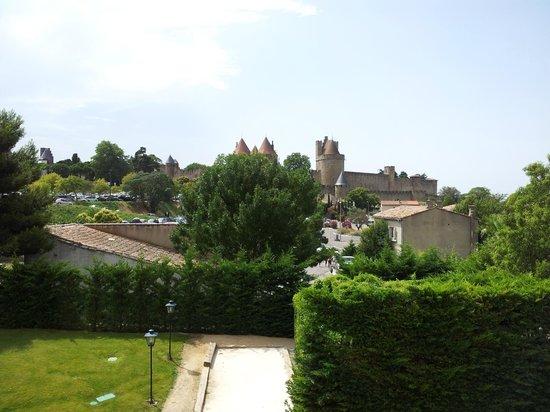 Mercure Carcassonne La Cité hotel : vue de la chambre 48
