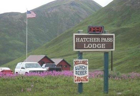 Hatcher Pass Lodge: Entrance