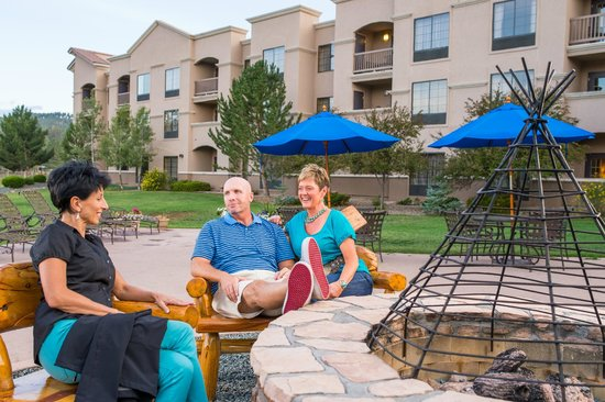 The Lodge at Sierra Blanca: Outdoor fire pit
