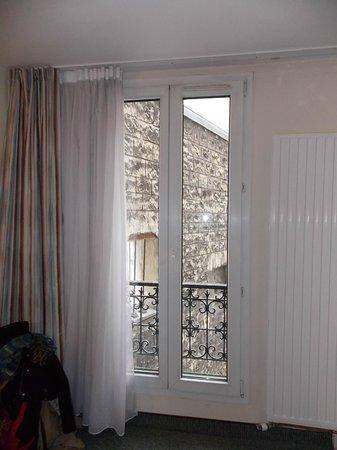 Hotel Amarys Simart: ventanal